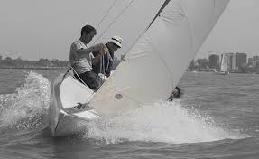 http://www.elojonautico.com/el_ojo_nutico/2008/10/regata-de-veler.html